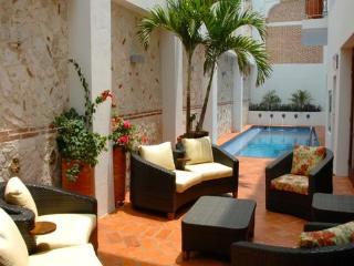 Incredible 6 Bedroom Hideaway in Old Town - Bolivar Department vacation rentals