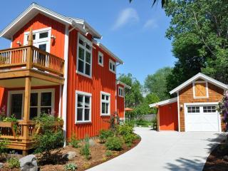 Hansel and Gretel Cottage downtown Saugatuck - Saugatuck vacation rentals