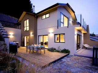 Comfortable 3 bedroom House in Queenstown - Queenstown vacation rentals