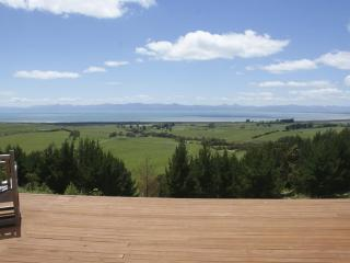 Nice Cottage with Deck and Satellite Or Cable TV - Coromandel vacation rentals