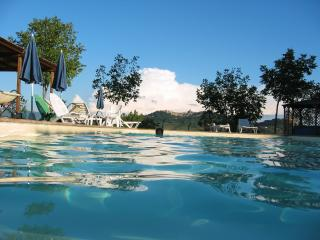 Bellissima villa with 1 double bedroom apartment - Todi vacation rentals