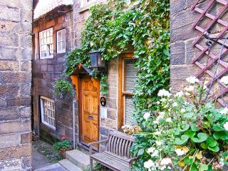 4 MARTINS ROW, character cottage in a central location, conservatory and patio, in Robin Hood's Bay, Ref 19583 - Robin Hood's Bay vacation rentals