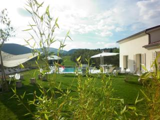 Le Marche Villa: country, pool, wellness, fitness - Sassoferrato vacation rentals