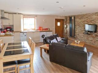 COOPER COTTAGE, barn conversion, with open plan living area, woodburner, walled garden, in Potto, near Stokesley, Ref 13983 - Stokesley vacation rentals