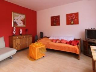 Vacation Apartment in Mittelnkirchen - 269 sqft, bright, compact, comfortable (# 3227) - Mittelnkirchen vacation rentals
