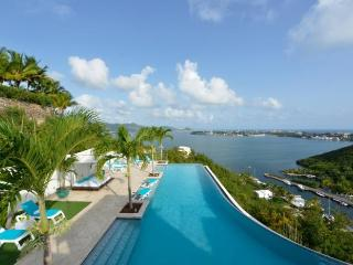 ACQUA...4 + 1 BR villa, offers spectacular views of the Lagoon, the ocean and St Maarten - Terres Basses vacation rentals