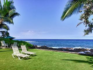 2 bedroom, 2 bath upscale bungalow in an oceanfront estate - Kailua-Kona vacation rentals