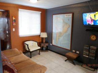 Right on El Centro's Doorstep!! - Cuenca vacation rentals