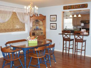 Comfy Townhome nearby Dutch Wonderland & Outlets - Mount Gretna vacation rentals