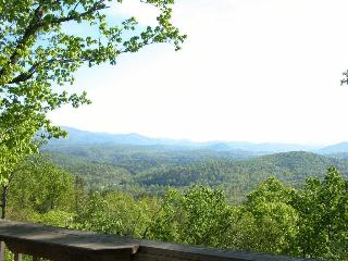 "Cloud 9 ""Spectacular Mountain View"" Helen GA - Helen vacation rentals"