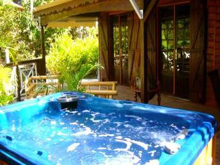 LE DOMAINE DU ROCHER - Pointe-Noire vacation rentals