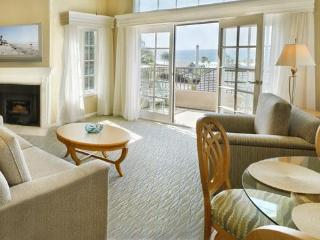 Walk to restaurants, enjoy heated pool or spa - Del Mar vacation rentals