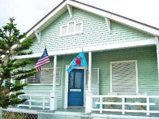 Great, Centrally located home only one block from the Beach! - Galveston vacation rentals