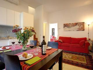 Giglio Suite,spacious apart front Medici Chapels - Florence vacation rentals