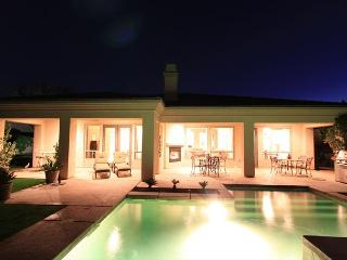 'Songbird' Private Pool, Spa, Outdoor Fireplace - La Quinta vacation rentals