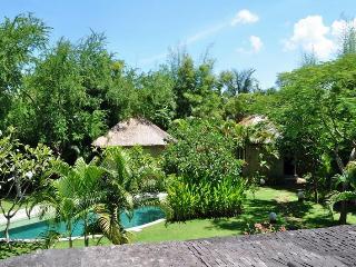 4 br villa Near Seminyak Beach, Superb Location - Seminyak vacation rentals