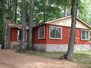 Ridgewood - A Classic Northwoods Cottage - Rhinelander vacation rentals