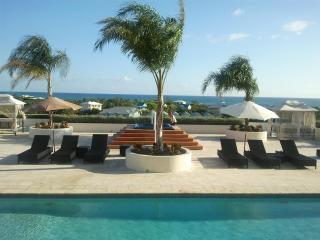 1 bedroom Condo with Internet Access in Turtle Cove - Turtle Cove vacation rentals