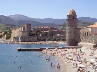 Collioure - Collioure beach front apt, magnificent sea views - Port-Vendres - rentals