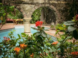 Beautiful 7 Bedroom Home Near Plaza Santo Domingo - Bolivar Department vacation rentals