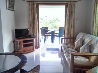Convenient 3 bedroom Beau Vallon Villa with Internet Access - Beau Vallon vacation rentals
