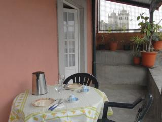 Apartment in Oporto 06 - managed by travelingtolisbon - Northern Portugal vacation rentals