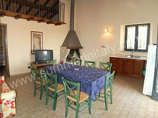 Gorgeous 3 bedroom House in Tarano with Deck - Tarano vacation rentals