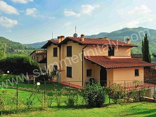 Nice 3 bedroom Lucolena House with Deck - Lucolena vacation rentals