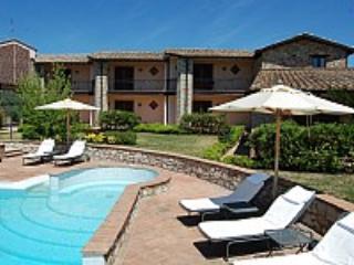 Casa Canfora A - Collepepe vacation rentals