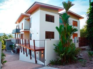 Villa One on Murphy Street - Port Douglas vacation rentals