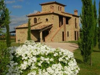 Luxury Villa,Cortona Area,view of Lake Trasimeno - Calzolaro vacation rentals