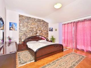 Apartment Slavica - Split vacation rentals