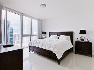 Sky City at Icon Brickell 2-bedroom- 42nd floor! - Coral Gables vacation rentals