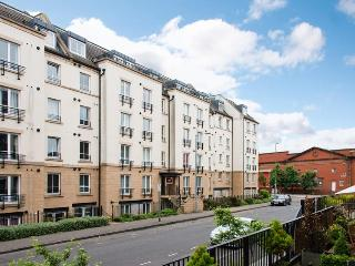 Hopetoun Village Apartment - free parking and wifi - Edinburgh vacation rentals