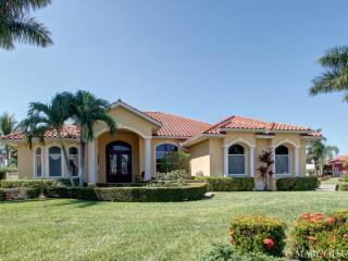 GOLDENROD - Large Heated Pool and Hot Spa, South Exposure, Walk to Marco Town Center Mall !! - Marco Island vacation rentals