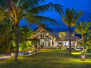 Luxury Bali Beach Villa with 4 bedrooms and staff - Pekutatan vacation rentals