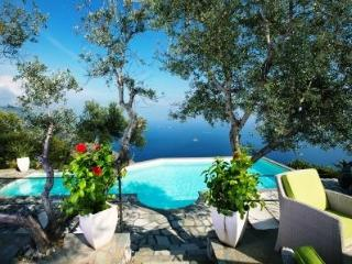 6 Bedroom villa with private pool, sea view, wi-fi - Sant'Agata sui Due Golfi vacation rentals