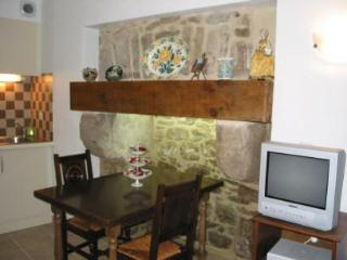 Beautiful 3 bedroom property in Dinan (C010) - Pleugueneuc vacation rentals