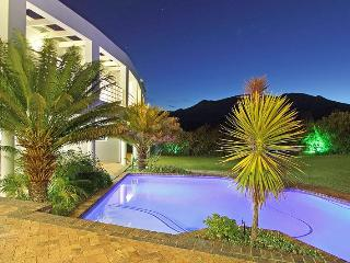 Perfect Villa with Internet Access and Satellite Or Cable TV - Constantia vacation rentals
