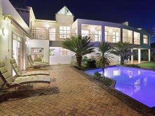 5 bedroom Villa with Internet Access in Constantia - Constantia vacation rentals