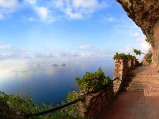 4 Bedroom villa, wonderful seaview & private pool - Sorrento vacation rentals