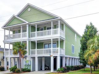 Surfside Beach Luxury Beach House, Walk to Beach, Private Heatable Pool - Surfside Beach vacation rentals