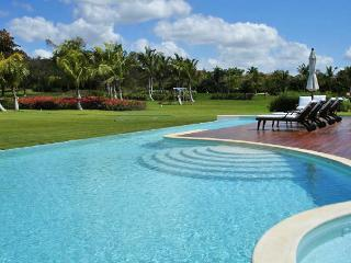 Comfortable Villa with Internet Access and Television - Altos Dechavon vacation rentals
