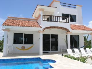 Bright 3 bedroom Villa in La Quemada with Internet Access - La Quemada vacation rentals
