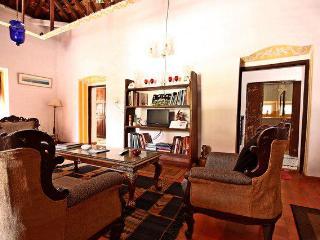 Beach belt quaint heritage home - Saligao vacation rentals