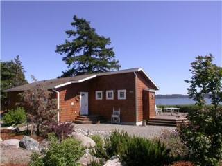 Sandpiper Haven - Whidbey's Waterfront Gem, Kayaks - Oak Harbor vacation rentals