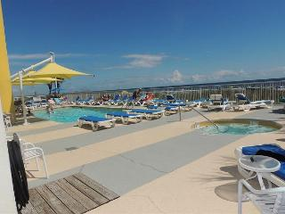 Beautiful oceanfront 2 bedroom unit @ Seaside Resort North Myrtle Beach SC - North Myrtle Beach vacation rentals