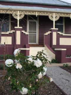 Perfect Cottage with Internet Access and Dishwasher - Maryborough vacation rentals