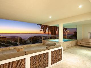 Charming 3 bedroom Camps Bay Apartment with Internet Access - Camps Bay vacation rentals