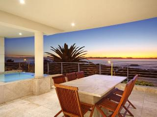 Spacious Condo with Deck and Internet Access - Camps Bay vacation rentals